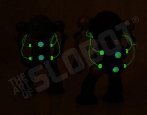 mikeslobot_SUPbot_both_glow_back